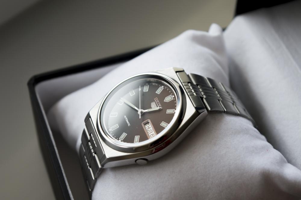 Szakszerű órafelújítással az óra egyáltalán nem veszít az értékéből!