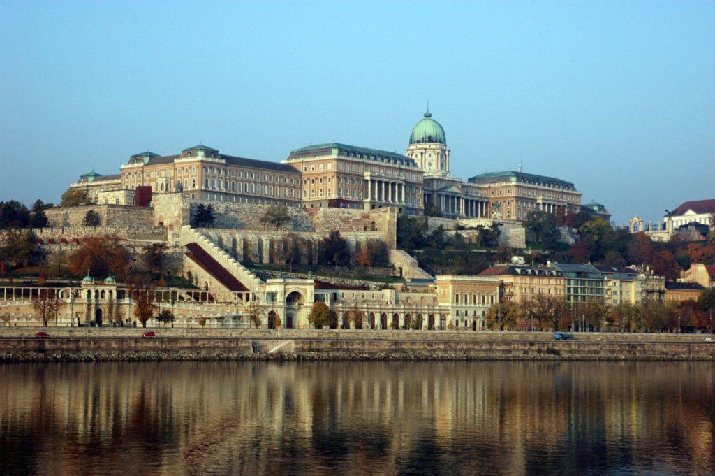 A Budai Várat az épületfotósok tökéletes minőségben tudják lefotózni.
