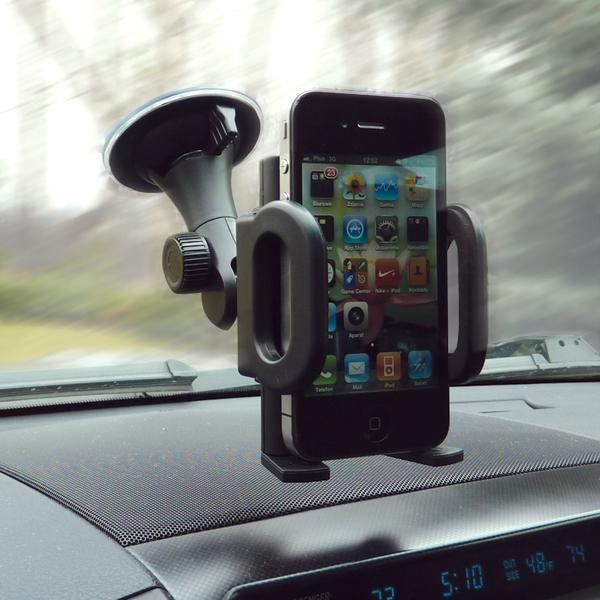 Az autós telefontartó biztonságos megoldást jelent.