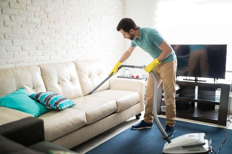 A kanapét rendszeresen szükséges kitisztítani.