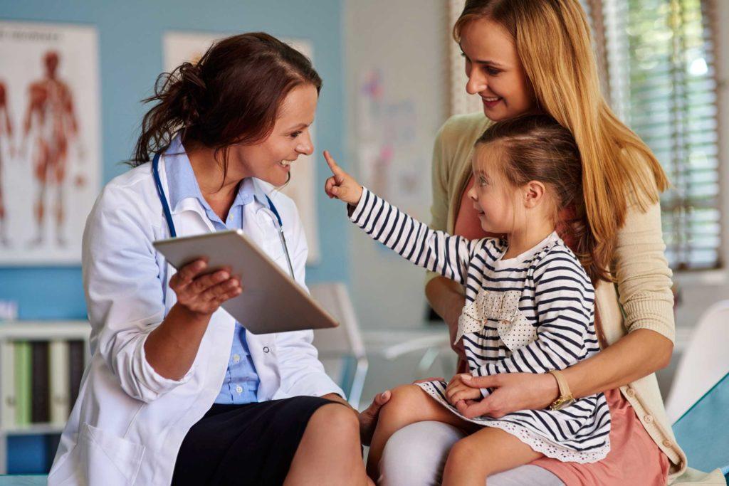Gyermek bőrgyógyász szakorvos.