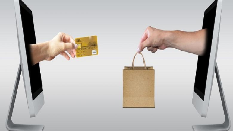 Az online vásárlás kényelmes.