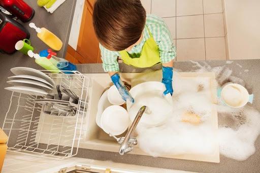 Minőségi mosogatószerekkel lehet hatékony a mosogatás.